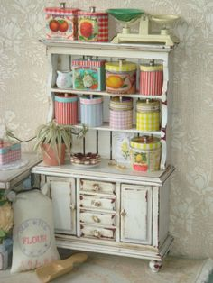 Dollhouse lamentable francesa Cottage Hutch 01:12 Escala miniatura muebles Dollhouse