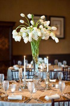 35 Ideas Para Decorar Tu Boda Con Tulipanes Las Flores Jamás Habían Sido Tan Preciosas Tulip Centerpiecestall Wedding