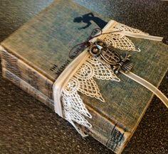 Vintage Nancy Drew Books pretty cool