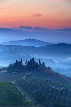 Amanecer en Val DOrcia, Toscana.