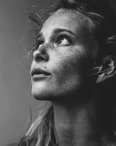 Black and White Portrait Photography: Expert Advice That Helps You Succeed – Black and White Photography Emotional Photography, Face Photography, Photography Women, Creative Photography, Woman Portrait Photography, Profile Photography, Pose Portrait, Female Portrait, Artistic Portrait