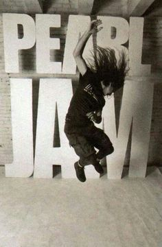 "Eddie Vedder, during the Pearl Jam ""Ten"" album cover photoshoot Grunge, Great Bands, Cool Bands, Nirvana, Pearl Jam Ten, Hard Rock, Chicago Cubs, Rock And Roll, Music Rock"