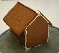 DIY gingerbread houses w pattern. Really easy, icing a bit thick, makes nice small houses