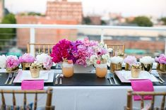 pretty pink + gold details in this tabletop