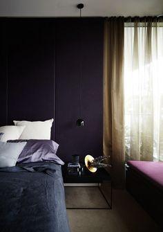 Purple wall bedroom