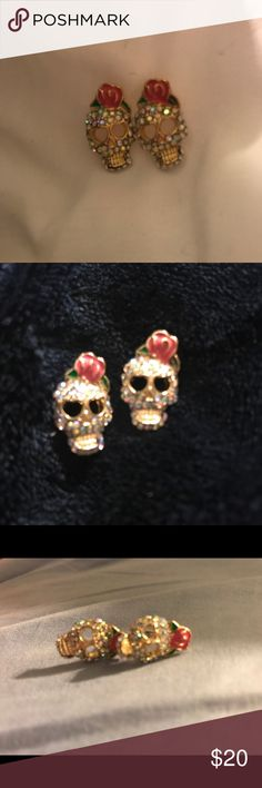 Skull earrings These are adorable swavorski crystal skull earrings. Jewelry Earrings