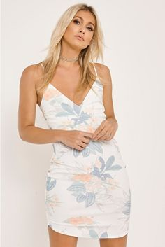 Inspired by the latest celebrity style & fashion. Things To Buy, Stuff To Buy, Vietnam, Fashion Online, Celebrity Style, Women Wear, Tropical, Bodycon Dress, Fashion Outfits