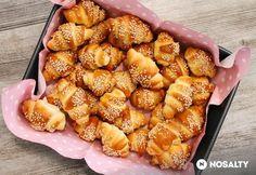 Szezámmagos minikiflik | NOSALTY My Recipes, Cake Recipes, Cooking Recipes, Salty Snacks, Winter Food, Bread Baking, Bakery, Food Porn, Food And Drink