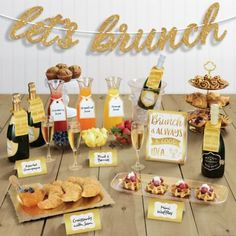 Featuring a gold and white color scheme with modern designs, the shining banner and customizable party picks, labels, and tent cards dress up your buffet table for a display that looks as good as it tastes. Brunch Party Decorations, Brunch Decor, Housewarming Party Themes, Brunch Table Setting, Brunch Bar, Brunch Buffet, Mimosa Brunch, Party Buffet, Engagement Brunch