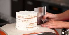 Don't fake it 'til you bake it! These naked cake tips will have your friends putting their orders in for your cakes in no time. Making Wedding Cake Tips How To Stack Cakes, How To Make Cake, Cake Decorating Tips, Cookie Decorating, Cake Icing, Cupcake Cakes, Buttercream Cake, Nake Cake, Cake Sizes