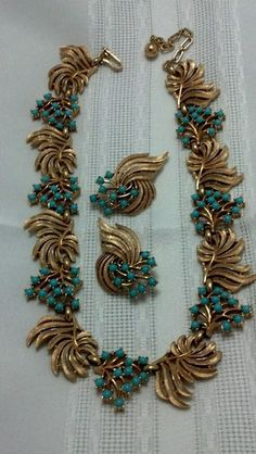 Vintage Crown Trifari Turquoise Glass and Gold Tone Demi | eBay