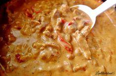 Lentohiekkaa: Kermainen lihakastike uunissa Yams, Cheeseburger Chowder, Macaroni And Cheese, Good Food, Food And Drink, Easy Meals, Soup, Baking, Ethnic Recipes
