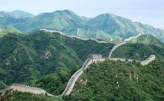 72 Hours in Beijing is the ideal time to explore the highlights of this wonderful city including the Great Wall of China. Check out this 72 Hours in Beijing Itinerary about the best things to do and see in Beijing. Beijing, Cool Places To Visit, Places To Go, Virtual Field Trips, Summer Palace, Travel Rewards, Travel Deals, Travel Destinations, Facts For Kids