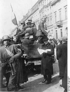 http://de.wikipedia.org/wiki/Marine-Brigade_Ehrhardt