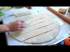 Πώς φτιάχνουμε ωτία, το ποντιακό γλυκό που θυμίζει ντόνατ Greece Food, Greek Recipes, Sweets, Cakes, Traditional, Drink, Youtube, Recipies, Beverage