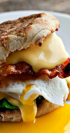 Here's the recipe for the best breakfast sandwich EVER. Crispy bacon, melty cheese, creamy egg all on a buttered English muffin…spinach optional! The Best Breakfast Sandwich – The Best Breakfast Sandwich Best Breakfast Sandwich, Breakfast Desayunos, Breakfast Dishes, Breakfast Ideas, Best Breakfast Meals, English Muffin Breakfast, Breakfast Skillet, Brunch Ideas, Breakfast Casserole