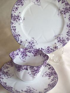 "Shelley Dainty Mauve Daisy ""Trio"" Cup, Saucer and Plate."