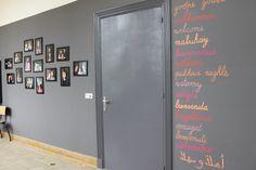 Welkomstwoorden in de verschillende thuistalen + familiemuur  > Stedelijke Basisschool De Vlieger