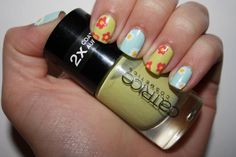 Nail Challenge Day 14 Flowers
