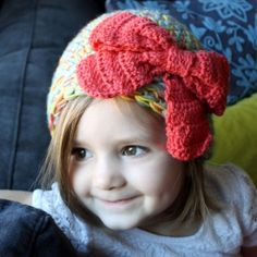 Make a fun hat for a little girl in your life with this free crochet pattern.
