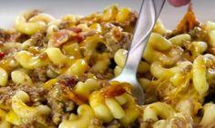 On a revisité la recette de façon originale et audacieuse.... Voici un macaroni à la viande tout à fait DÉLICIEUX! Cooking With Kids, Pasta Recipes, Yummy Recipes, Macaroni And Cheese, Bacon, Pizza, Food And Drink, Yummy Food, Favorite Recipes
