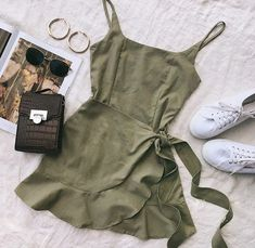 Green Summer Dress ~ Princess Polly Source by madeutsch dress outfits Green Summer Dresses, Cute Summer Outfits, Cute Casual Outfits, Pretty Outfits, Stylish Outfits, Winter Outfits, Stylish Dresses, Casual Summer, Summer Clothes