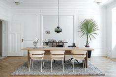 Sleek design in minimalist apartment.   via themarblefox.com