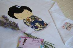 """Muñeca """"Geisha"""", pintada a mano con aplicaciones de tela. Se puede personalizar con el nombre. Si te gusta y quieres una, contacta conmigo a traves de facebook."""