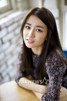 Park Ha-sun as Seo In-hye, Tae-san's first love Asian Woman, Asian Girl, Wang So, Kim Tae Hee, Han Hyo Joo, Moon Lovers, Joon Gi, Beautiful Asian Women, About Hair
