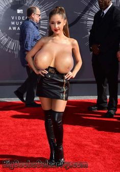 Ariana grande boobs naked
