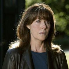 Sarah Jane Smith, played by Elisabeth Sladen, companion toDoctor Jon Pertwee, and Doctor Tom Baker. Also came back twice to reprise her role as a one-episode companion to the Doctor, David Tennant. Doctor Who Tv, 10th Doctor, Sarah Jane Smith, Doctor Who Companions, You Are My Life, Celebrity Deaths, Time Lords, David Tennant, Dr Who