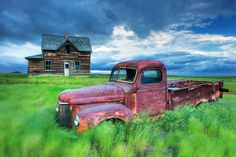 This is a truck I almost bought in my twenties. It looks to be a Fargo flat bed. How beautiful an image Darwin captured.