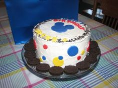 Party Crafting: Super Easy Mickey Mouse Cake