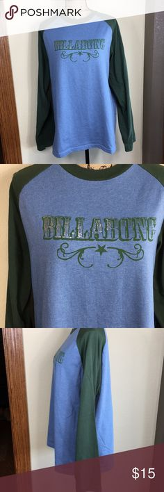 Men's Billabong Large Long Sleeve Tee Men's Billabong Large Long Sleeve Tee in shades of Heather blue and green. There is a also a bit of foil on the logo that fades out. EUC! Billabong Shirts Tees - Long Sleeve