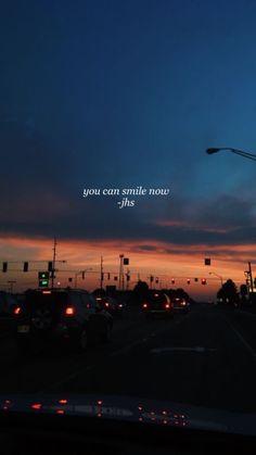 Você pode sorrir agora Sky Quotes, Tumblr Quotes, Love Quotes, Inspirational Quotes, Bts Wallpaper, Wallpaper Backgrounds, Normal Wallpaper, Wallpaper Quotes, Tumblr Wallpaper