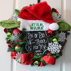 Star Wars Yoda Santa Hat Red Green Pine Snowflake Wreath Christmas