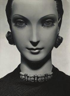 Shirley knew her false eyelashes would impress Paul!! Mannequin, Vogue, November 1934 (George Hoyningen-Huené)