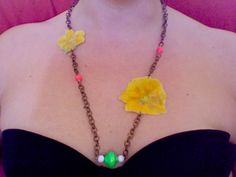 neck lace with flowers