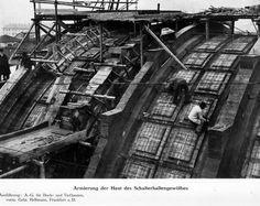 Historische Bilder vom Bau des Bad. Bahnhof Basel
