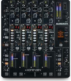 SPECIFICATIES ALLEN & HEATH XONE DB2  Hier is het dan, die nieuwe Allen & Heath. Een digitale mixer die zichzelf het broertje mag noemen van de Xone:DB4, want deze mixer is vergeleken met de DB4 slechts twee kanalen minder maar met de vertrouwde groen, blauw en paars LED verlichte VU-meters per kanaal en ook bij de dubbele master kan deze mixer zich het kleine broertje met trots noemen.