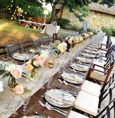 Gorgeous #alfresco_wedding_reception in Tuscany  Planning and Coordination #SposiamoVi http://sposiamovi.it/en/locations/wedding-tuscany/