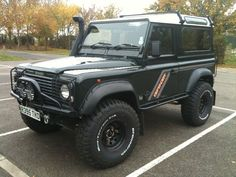 Front bumper: First Four Shadow. Start with a simple roof rack too. Landrover Defender, Defender 90, Off Road Truck Accessories, Land Rover Off Road, Winch Bumpers, Off Road Adventure, Land Rovers, Roof Rack