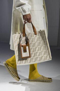 Fashion Bags, Fashion Show, Womens Fashion, Milan Fashion, Karl Lagerfeld, Handbag Accessories, Fashion Accessories, Harper's Bazaar, Best Handbags