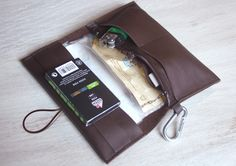 Tabaktasche *walkON Zipper* Echtleder von WIPATAWIN auf DaWanda.com geschlossen ca 15 x 8 cm, Kalbsleder , 26
