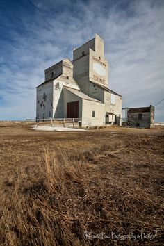 Stalwart grain elevator Abandoned Cars, Abandoned Buildings, Abandoned Places, Agriculture, Farming, Aboriginal Clothing, Old Neon Signs, Grain Storage, Grain Silo