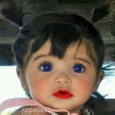 Cutie pie    **she's sooo beautiful ...THOSE EYES.<3