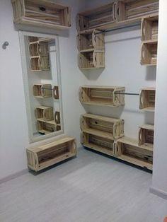 closet de caixotes de madeira                                                                                                                                                                                 Mais