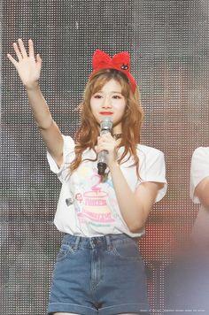 Nayeon, South Korean Girls, Korean Girl Groups, Leader Twice, Sana Minatozaki, Twice Sana, Dahyun, Pop Bands, Girl Bands