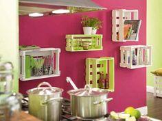 cajas de madera upcycling hangling estantes de la cocina las ideas de bricolaje creativo