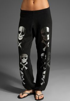 Wildfox Couture skulls sweatpants<3